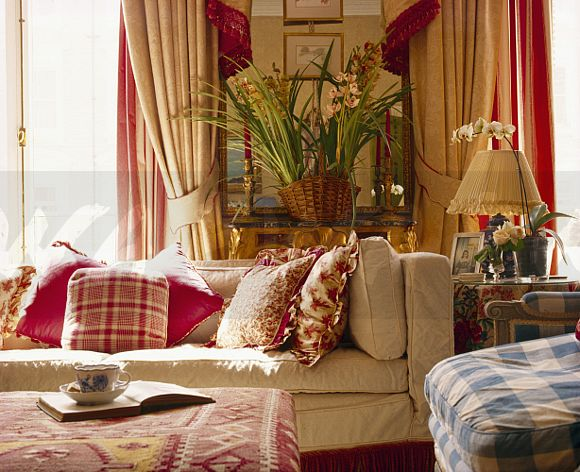 Patterned Red Cushions On Cream Sofa In Traditional Living Room Part 41