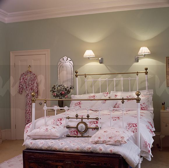 Relatively Image Wall Lights Above White Antique Br Bed Bewith Pink Kp63