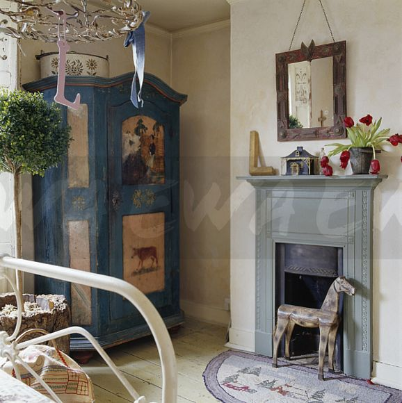 Small Bedroom Fireplace - Home Design