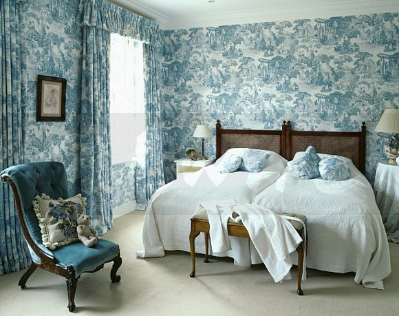 Blue White Toile De Jouy Wallpaper With Matching Curtains In Bedroom Bedspreads On Twin Beds