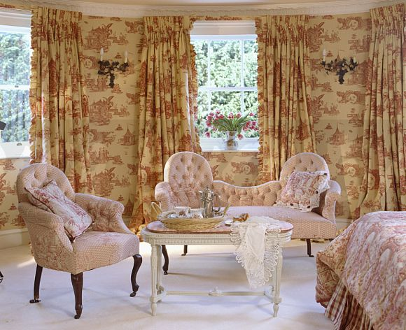 Red+white Toile De Jouy Wallpaper And Curtains In Bedroom With Pale Pink  Armchair And Sofa And White Carpet