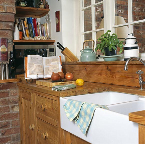 Cottage Kitchen Sinks: Image: Belfast Sink In Cottage Kitchen