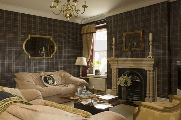 Image Dark Tartan Wallpaper In Country Living Room With
