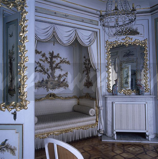 Image Gilt Framed Vintage Mirrors And A Silk Upholstered Day Bed In
