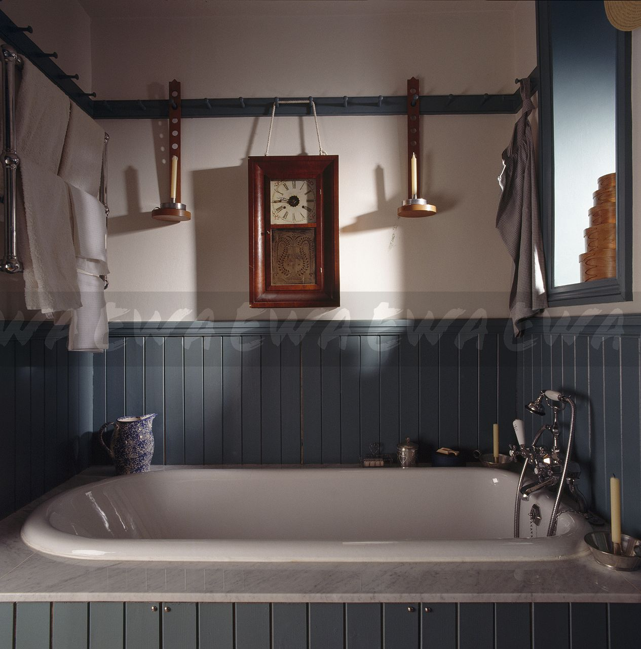 Image Green Panelling Above White Bath In Shaker Style