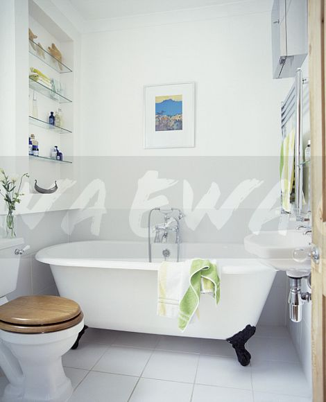 Image Glass Shelves In Alcove Above Roll Top Bath In