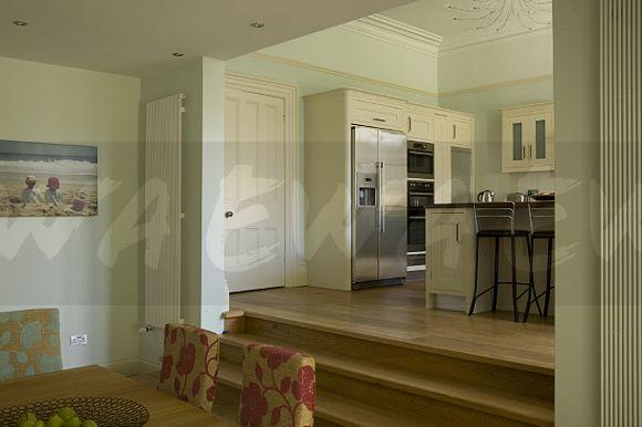 Split level kitchen dining